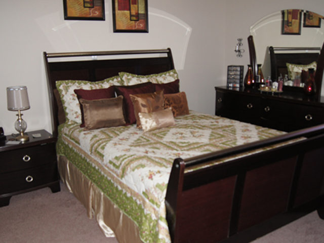 Large Bdrm Bedroom 2