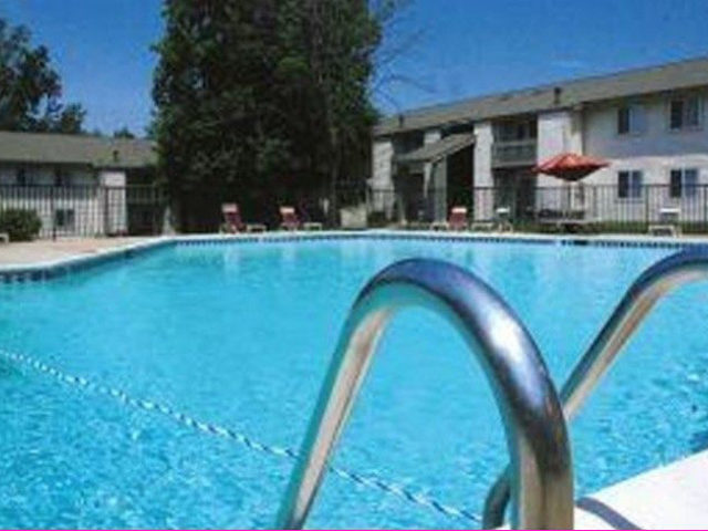Trinity Apartments Swimming Pool